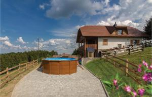 Three-Bedroom Holiday Home in Store