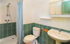 Two-Bedroom Apartment in Canaules-et-Argentier.