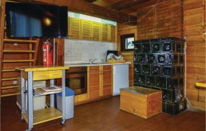 Three-Bedroom Holiday Home in Smartno pri Sl.Gradcu - Hotel - Razborca