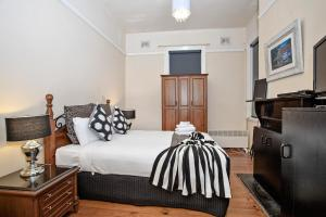 Sydney Harbour Bed and Breakfast - Accommodation - Sydney