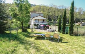 Three Bedroom Holiday Home in Villen les Corbieres