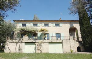 Seven Bedroom Holiday Home in Pezenas