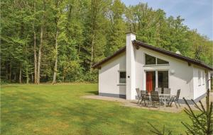 Holiday Home Gerolstein/Hinterhaus with a Fireplace 02