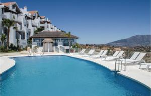 Two-Bedroom Apartment Los Cort..