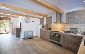 Four-Bedroom Holiday Home in St Julien L Montagnier
