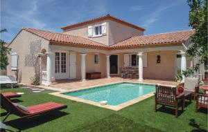 Three Bedroom Holiday Home in Servian