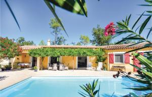 Three Bedroom Holiday Home in Fayence