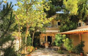 Two-Bedroom Holiday Home in Artemida - Hotel