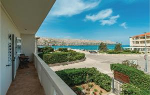 Three-Bedroom Holiday Home in Pag