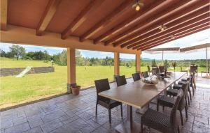 Five-Bedroom Holiday Home in Gracisce