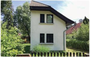 Holiday home Vasút utca-Balatonfenyves, Holiday homes  Balatonfenyves - big - 17