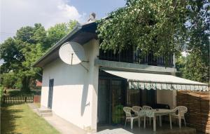 Holiday home Vasút utca-Balatonfenyves, Holiday homes  Balatonfenyves - big - 27