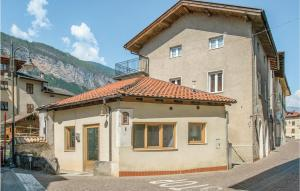 Three-Bedroom Apartment in Conta´ -TN- - AbcAlberghi.com