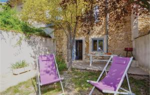 Three Bedroom Holiday home Villes sur Auzon with a Fireplace 09