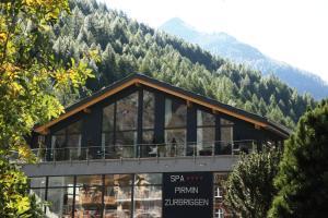 Wellness Spa Pirmin Zurbriggen - Hotel - Saas Almagell