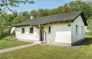 Holiday Home Gerolstein/Hinterhaus with a Fireplace 01