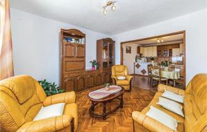 Two-Bedroom Apartment in Kastel Stari