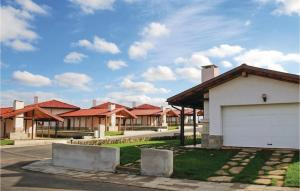 ThreeBedroom Holiday Home in Lozenets
