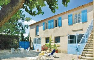 Four Bedroom Holiday Home in Ste Cecile les Vignes