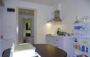 One-Bedroom Apartment in Dobrovo v Brdih