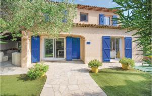 Five Bedroom Holiday Home in Sainte Maxime