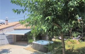 Three Bedroom Holiday Home in Montelimar