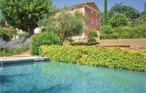 Five Bedroom Holiday Home in St Saturnin les Apt