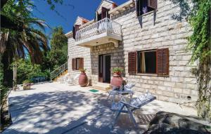 Six-Bedroom Holiday Home in Cavtat