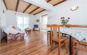 Apartment Put Rajica Cr