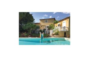 Three Bedroom Holiday Home in Baillargues