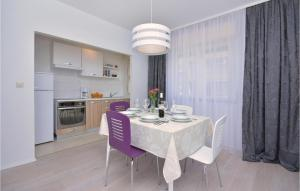 Three-Bedroom Apartment in Stobrec