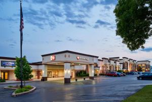 Best Western Plus Milwaukee Airport Hotel & Conference Center - Milwaukee