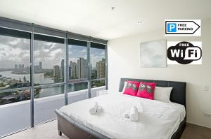 Superb Surfers Paradise Apartment – Top Location!