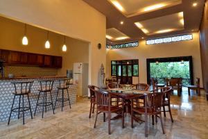 Villa Kendi, Комплексы для отдыха с коттеджами/бунгало  Kalibaru - big - 14