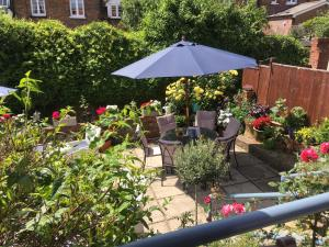 The Row Barge Henley, Bed & Breakfasts  Henley-on-Thames - big - 3