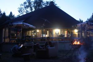chata na pláži jazera Kurinec
