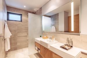 Twin Villas Natai - 7 Bedroom Luxury Beach Front Villa