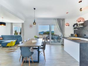 Luxury sea view villa Biograd