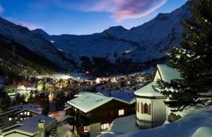 Stirling Luxury Chalet - Hotel - Saas-Fee