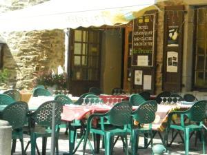 Hôtel Le Prieuré, Hotels  Sainte-Croix-en-Jarez - big - 11