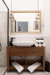 Luxury Apartment by Hi5 Kálmán Imre Suite