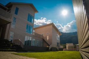 Отель Серебряные родники, Чемал