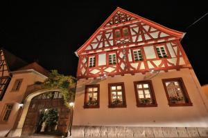 Weinhaus Henninger - Kleinkarlbach