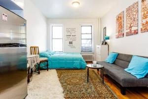 Charming, fully renovated studio in heart of Manhattan