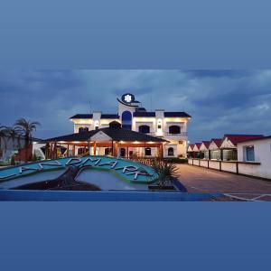 . Landmark Hotel & Restaurant