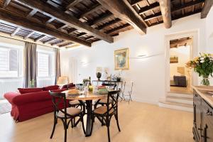 Rome As You Feel - Trevi Luxury Apartment - abcRoma.com
