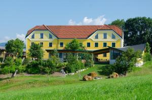 Kerndlerhof - Krumnussbaum