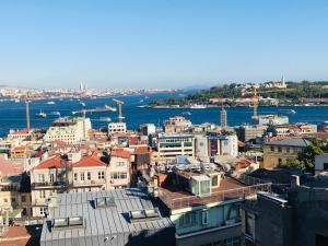 obrázek - Lovely Galata Home With Bosporus View Terrace