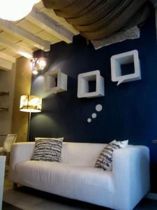 Amalia Apartment Via della Pergola - AbcAlberghi.com