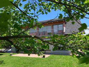 Apartments Apple Garden ****